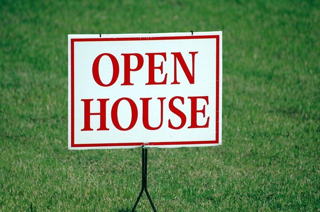 An open house sign.